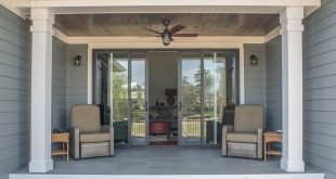Austin House plan 1409 back porch built by