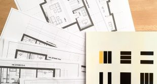 Before the house design takes on a spatial dimension, several floor plans are considered