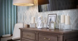 Attention to detail and furnishings create a cozy atmosphere in the bedroom. Studio vie