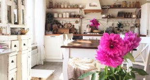 Have you seen in the story how I started decorating the house with autumn decor? Take a look, not yet poses